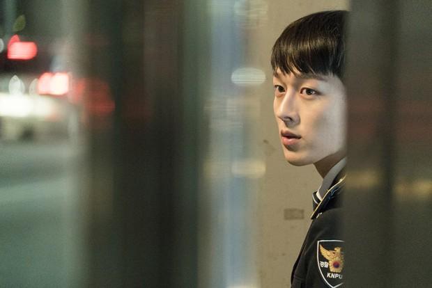 Vừa làm sát thủ, trai đẹp Jang Ki Yong nay lại làm phi công nội tâm diễm tình nhất màn ảnh Hàn! - Ảnh 9.
