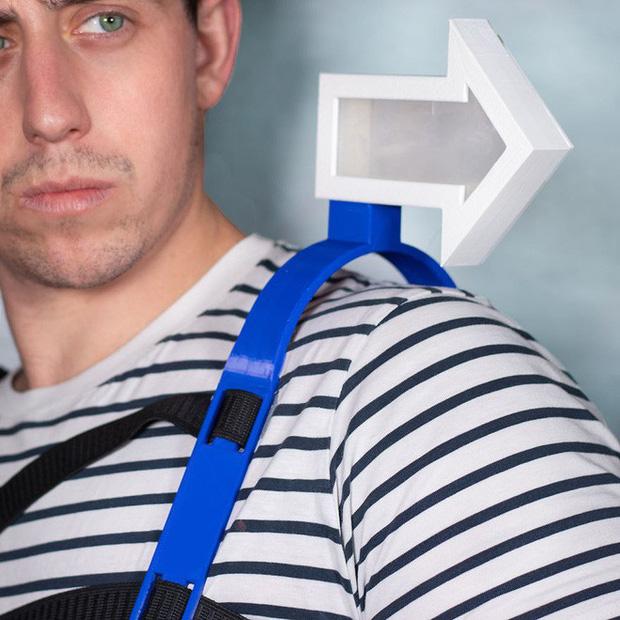 Từ xi-nhan cho người đi bộ đến nón bảo hộ ngón chân, 6 phát minh vô dụng này khiến đời vui hơn nhiều - Ảnh 5.