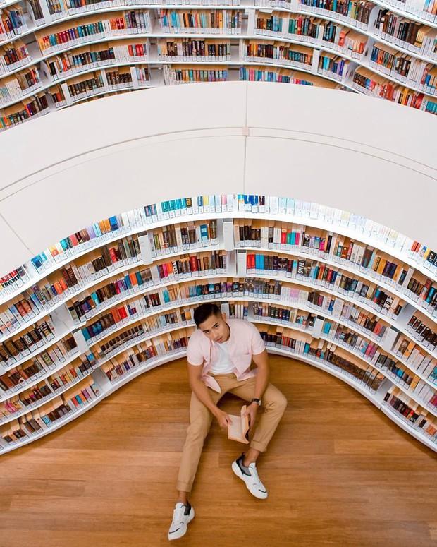 Lộ diện thư viện sống ảo đẹp nhất Singapore cực hiếm người biết, nơi bước 1 bước là chụp được 10 kiểu ảnh! - Ảnh 3.
