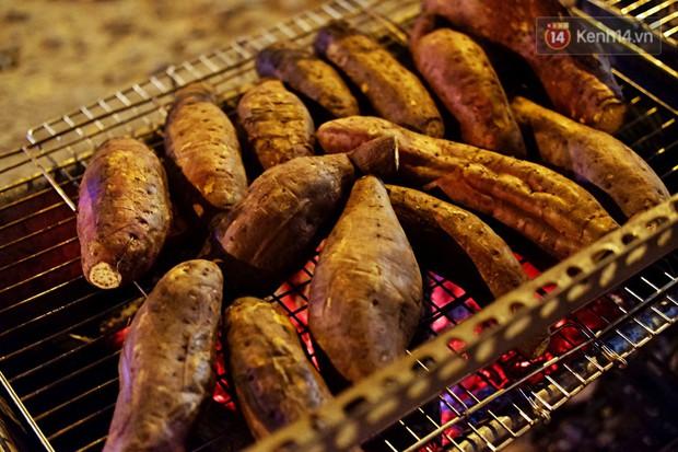 Có một Sài Gòn rất vui tánh: gặp Vô Diện mua khoai nướng, nửa đêm rủ nhau ăn chè ma, lạng quạng là bị chủ quán... ghim - Ảnh 3.