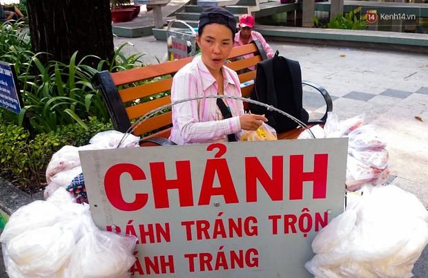 Có một Sài Gòn rất vui tánh: gặp Vô Diện mua khoai nướng, nửa đêm rủ nhau ăn chè ma, lạng quạng là bị chủ quán... ghim - Ảnh 4.