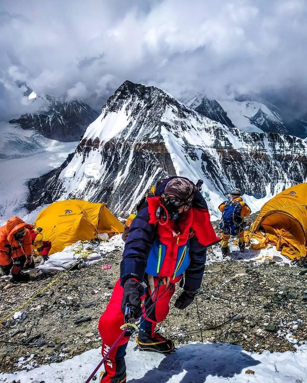 2 nữ du khách thiệt mạng trong lúc chinh phục đỉnh Everest. Biết nguyên nhân xong bạn sẽ rút ra bài học cho mình trong quá trình trekking - Ảnh 3.