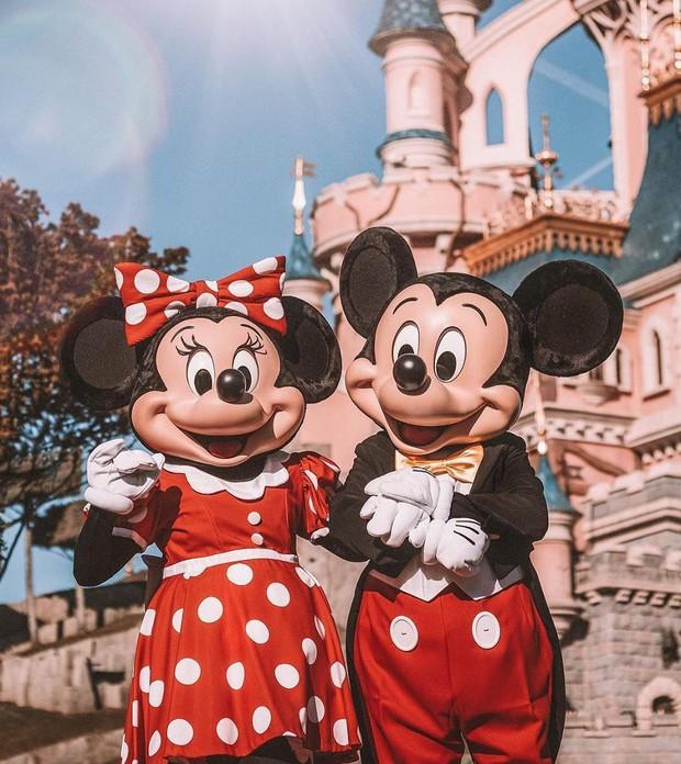 9 bí mật đằng sau vẻ hào nhoáng của những cô công chúa làm việc tại Disney World - Ảnh 4.