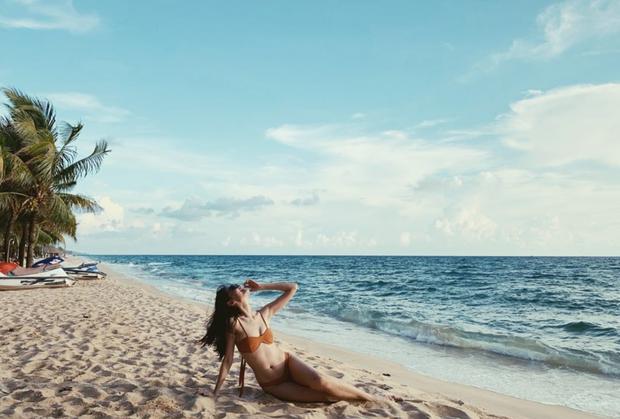 Lâu lâu mới diện bikini một lần, Á hậu Thùy Dung khoe trọn vẹn body nóng bỏng cùng chân dài thẳng tắp chẳng kém ai - Ảnh 3.