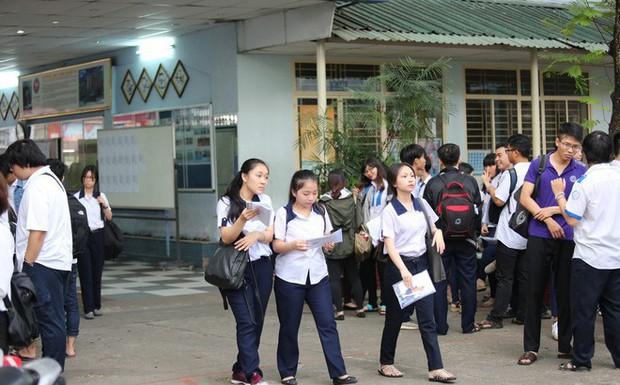 Bà Rịa - Vũng Tàu: Đề thi THPT Quốc gia 2019 sẽ được vận chuyển bằng máy bay ra Côn Đảo - Ảnh 1.