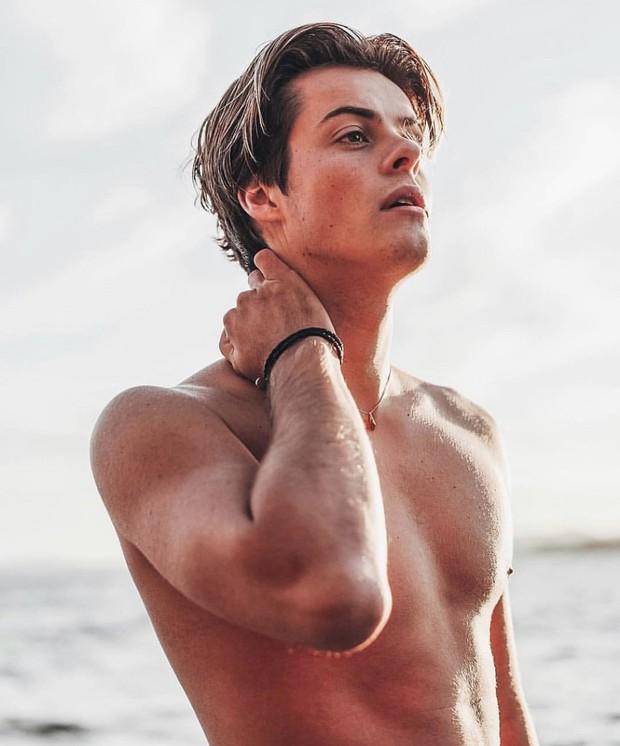 6 nam thần thế hệ mới kế thừa dàn tài tử Hollywood: Mặt và body đẹp vô thực, mỹ nam sinh năm 2002 lấn át Người nhện - Ảnh 24.