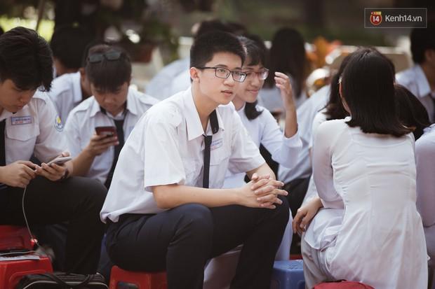 Bế giảng trường THPT hơn 100 tuổi, lâu đời bậc nhất Việt Nam: Cả một trời trai xinh gái đẹp - Ảnh 7.