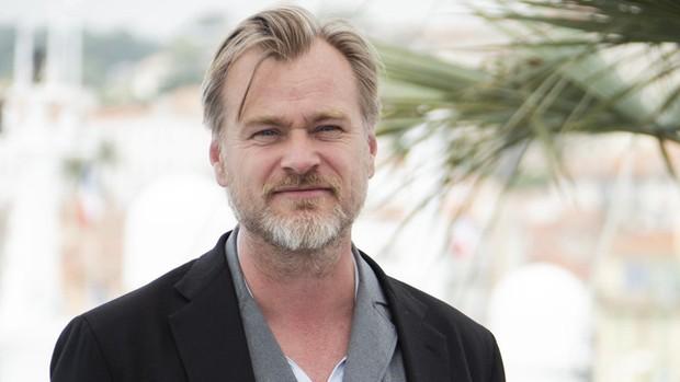 Vừa tiết lộ tên phim, Christopher Nolan bật mí cách chống spoil đến mức MARVEL phải gọi bằng cụ! - Ảnh 1.