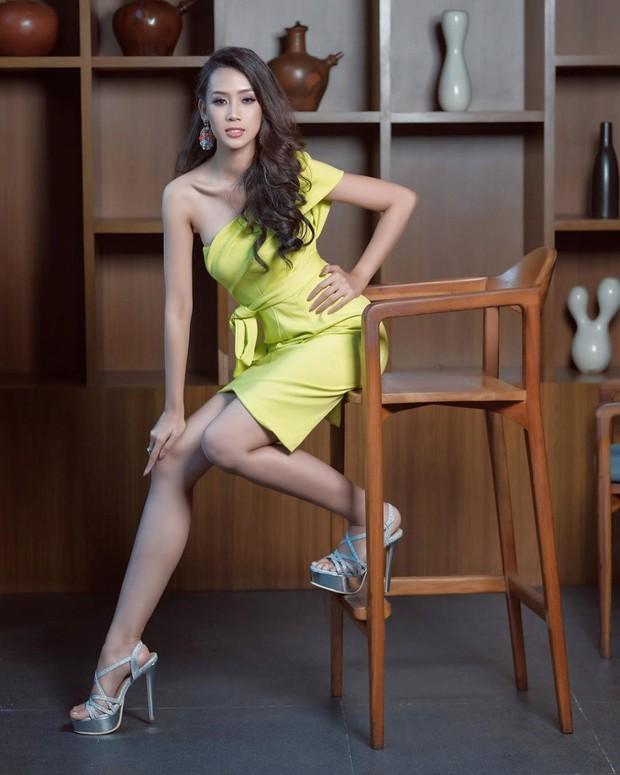 Phản ứng bất ngờ của đối thủ nặng ký nhất nhì khu vực Châu Á với Hoàng Thùy trước thềm Miss Universe 2019 - Ảnh 3.