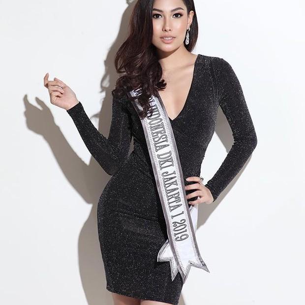 Phản ứng bất ngờ của đối thủ nặng ký nhất nhì khu vực Châu Á với Hoàng Thùy trước thềm Miss Universe 2019 - Ảnh 4.