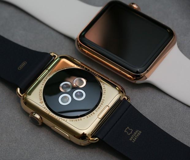 Thử nhúng Apple Watch vào chậu vàng lỏng nguyên chất: Tưởng chết mà vẫn dùng ngon, long lanh gấp bội - Ảnh 1.