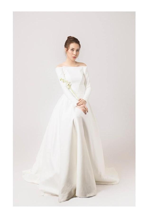 Đàm Thu Trang nhử fan với hình ảnh cô dâu xinh đẹp, NTK tiết lộ giá trị của thiết kế váy khiến ai cũng bất ngờ - Ảnh 4.