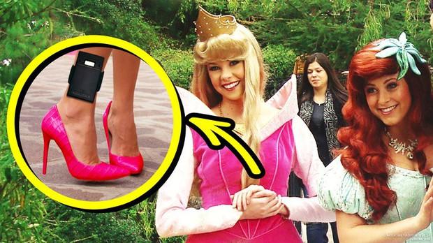 9 bí mật đằng sau vẻ hào nhoáng của những cô công chúa làm việc tại Disney World - Ảnh 12.