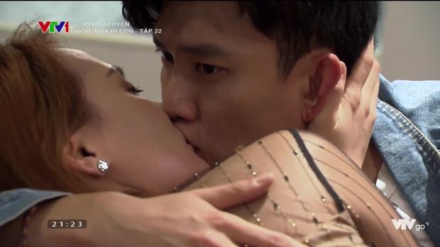 3 nụ hôn gây tranh cãi trên phim Việt: Màn đưa môi của Vũ sở khanh trong Về Nhà Đi Con chưa phải là sốc nhất! - Ảnh 2.