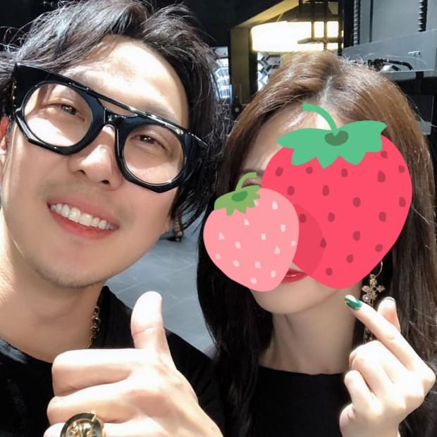 Cả dàn Running Man gây sốt khi đến ủng hộ sự kiện của HaHa, Song Ji Hyo đặc biệt được chú ý vì body quá nóng bỏng - Ảnh 1.