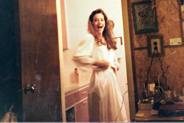 Bức ảnh polaroid ám ảnh: Hé lộ giây phút cuối đời của 2 nạn nhân nhỏ tuổi hay bí ẩn không lời giải suốt hơn 3 thập kỷ? - Ảnh 1.