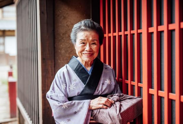 """Bí quyết sống """"bất tử"""" của người Nhật Bản chỉ gói gọn đơn giản trong MỘT TỪ mà khiến hàng triệu người trên thế giới học tập, có người dành cả đời cũng chưa ngộ ra được - Ảnh 1."""