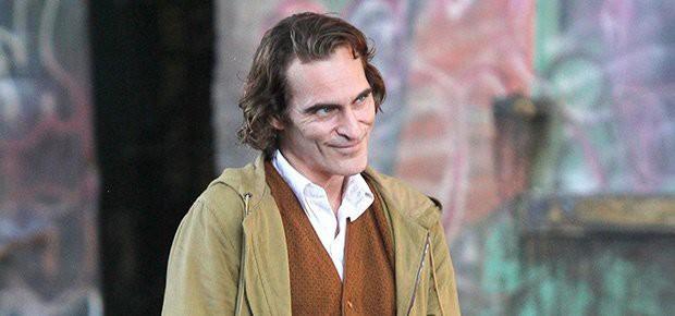 Joaquin Phoenix: Gã Joker điên loạn, khác biệt trên màn ảnh rộng lẫn cuộc sống đời thực! - Ảnh 4.
