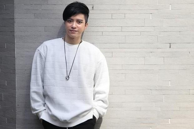 Đang yên lành, Lâm Chí Dĩnh bỗng xách dép cho nam thần lão hóa ngược của đài TVB! - Ảnh 4.