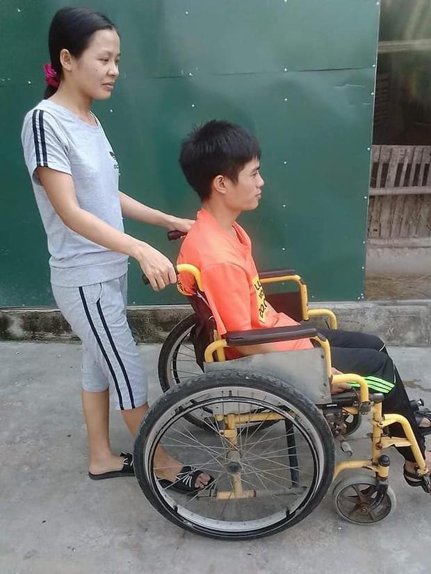 Chuyện tình cổ tích của người chồng liệt 2 chân và vợ mù: Em sẽ làm đôi chân cho chồng để đi hết cuộc đời còn lại - Ảnh 5.