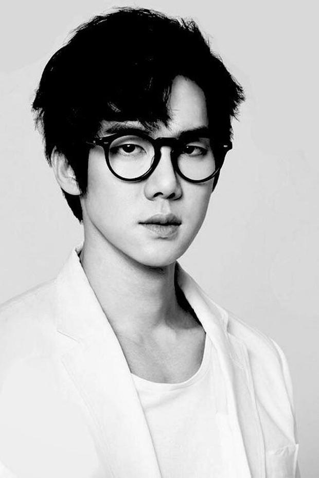 Trước khi yêu Song Joong Ki, Kim Ji Won dính thính cực mạnh từ 5 nam thần màn ảnh này: Số 6 còn bị đồn hẹn hò! - Ảnh 20.