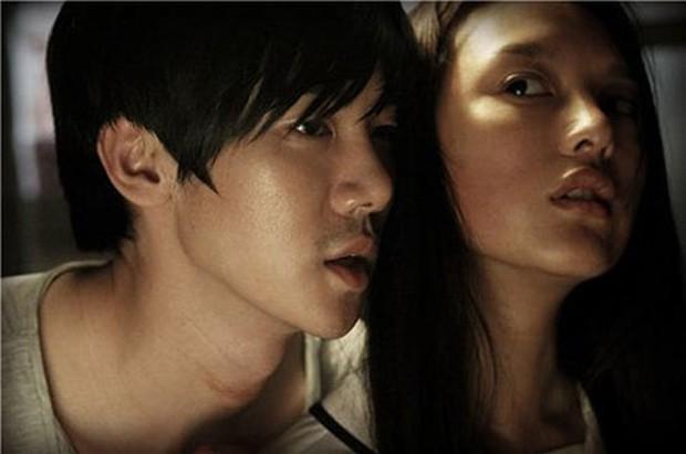 Trước khi yêu Song Joong Ki, Kim Ji Won dính thính cực mạnh từ 5 nam thần màn ảnh này: Số 6 còn bị đồn hẹn hò! - Ảnh 22.