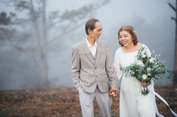 Bộ ảnh chụp ở Đà Lạt của couple U60: Dù thời gian có tàn nhẫn thế nào đi chăng nữa, tôi vẫn nắm tay bà đi hết cuộc đời này - Ảnh 7.
