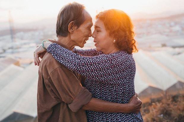 Bộ ảnh chụp ở Đà Lạt của couple U60: Dù thời gian có tàn nhẫn thế nào đi chăng nữa, tôi vẫn nắm tay bà đi hết cuộc đời này - Ảnh 11.