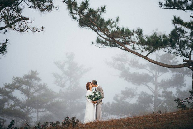 Bộ ảnh chụp ở Đà Lạt của couple U60: Dù thời gian có tàn nhẫn thế nào đi chăng nữa, tôi vẫn nắm tay bà đi hết cuộc đời này - Ảnh 2.