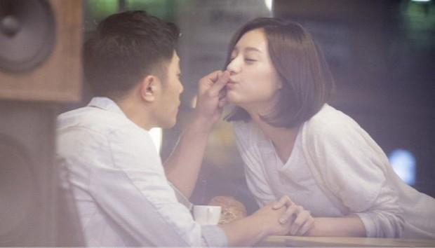 Trước khi yêu Song Joong Ki, Kim Ji Won dính thính cực mạnh từ 5 nam thần màn ảnh này: Số 6 còn bị đồn hẹn hò! - Ảnh 6.