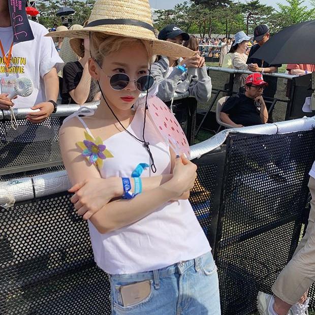 Taeyeon trong loạt hình trẩy hội mới nhất: Tuổi 30 nhan sắc hack tuổi lên hương mà nhắng nhít như trẻ lên 3 - Ảnh 6.