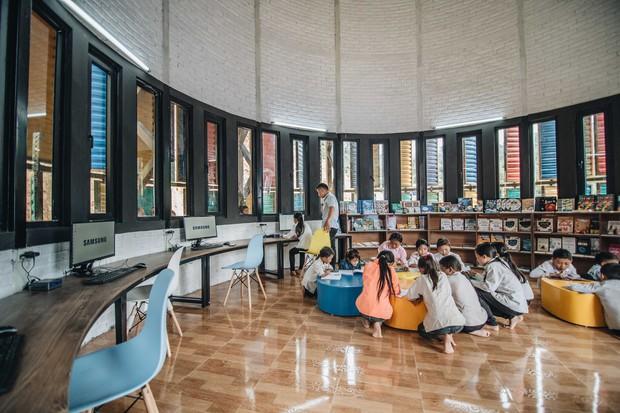 Chùm ảnh: Cận cảnh ngôi trường tuyệt đẹp giữa núi rừng Tri Lễ  - Ảnh 8.