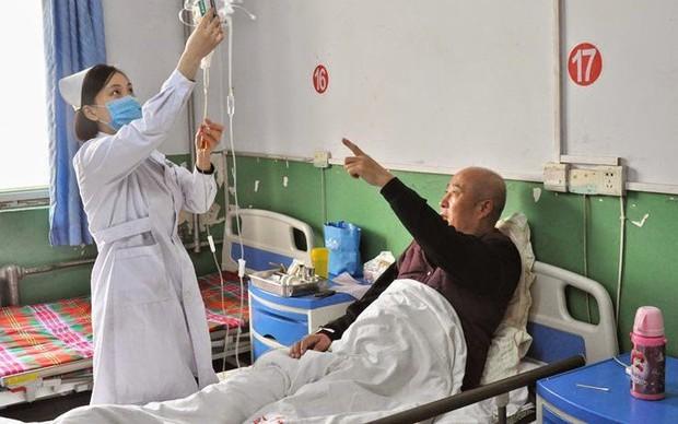 69 người bị nhiễm virus viêm gan C sau khi thẩm tách máu ở Trung Quốc - Ảnh 1.