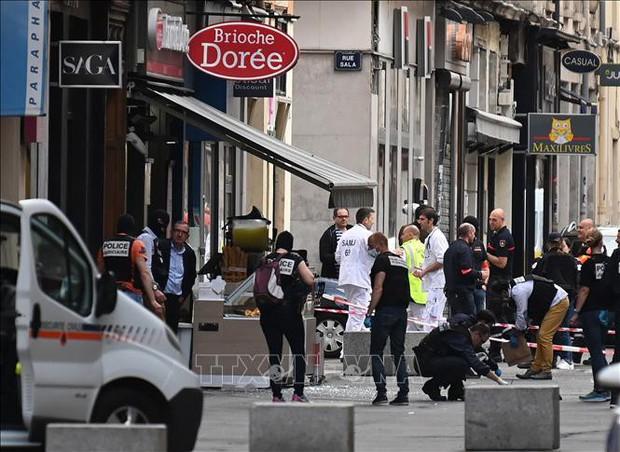 Pháp bắt giữ nghi phạm vụ nổ khiến 13 người bị thương tại Lyon - Ảnh 1.