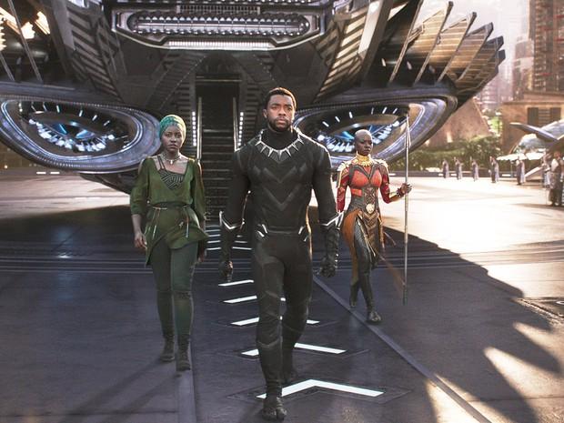 Lụm tiền ENDGAME chưa xong, Black Panther bị anh em Russo rủ rê bỏ Wakanda đi làm cảnh sát! - Ảnh 4.