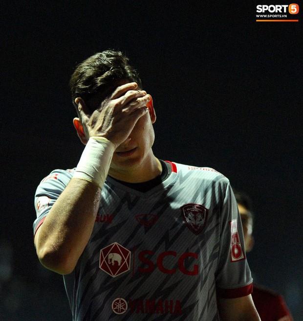 Xuân Trường, Văn Lâm ôm nhau đầy tình cảm sau trận đối đầu tại Thai League - Ảnh 9.