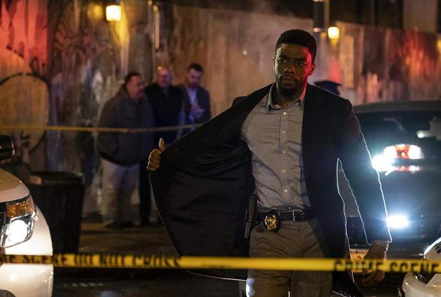 Lụm tiền ENDGAME chưa xong, Black Panther bị anh em Russo rủ rê bỏ Wakanda đi làm cảnh sát! - Ảnh 3.