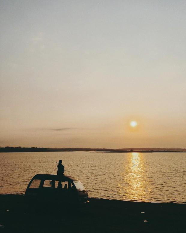 Ngắm nhìn Hồ Trị An, địa điểm xuất hiện trong MV đình đám của Min và Đen Vâu mới thấy: Chỗ này chill phết! - Ảnh 6.