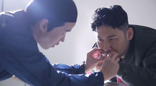 Làm parody sống động hơn bản thật, Song Hye Kyo sẽ khóc thét khi thấy chồng mình bị đổi diện mạo như thế này! - Ảnh 17.