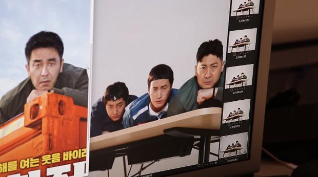 Làm parody sống động hơn bản thật, Song Hye Kyo sẽ khóc thét khi thấy chồng mình bị đổi diện mạo như thế này! - Ảnh 18.