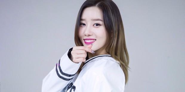 Chưa từng có ở Kpop: Nhóm nữ này xui hơn cả EXID vì 1 người dừng hoạt động, rời công ty chỉ sau 2 ngày comeback - Ảnh 2.
