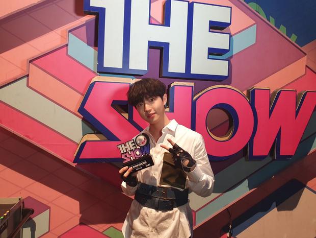 Đây là cựu thành viên Wanna One thứ 3 giành cúp, nhưng trớ trêu rằng đối thủ là người chung nhóm cũ - Ảnh 5.