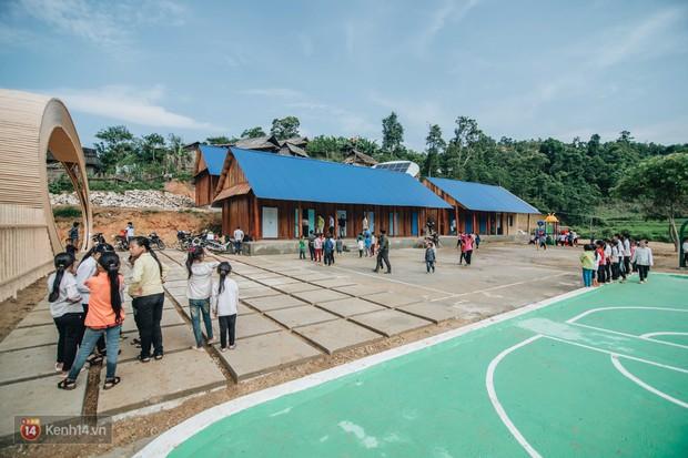 Một hành trình dài đầy gian khó để xây dựng ngôi trường tuyệt đẹp dành cho thầy trò Tri Lễ - Ảnh 1.