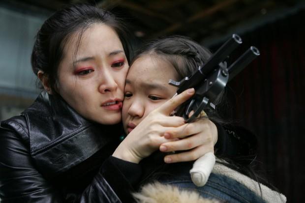 Làm parody sống động hơn bản thật, Song Hye Kyo sẽ khóc thét khi thấy chồng mình bị đổi diện mạo như thế này! - Ảnh 27.