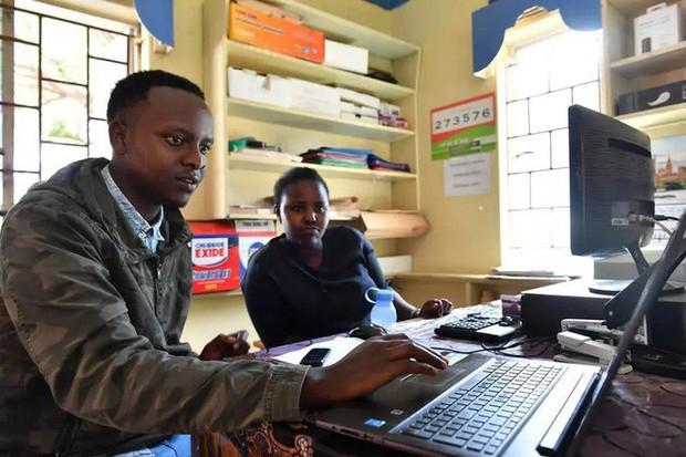 Trải nghiệm quán net ở châu Phi: Mở web mất 5 phút, có nơi thu phí cắt cổ tới 400.000 đồng/giờ - Ảnh 2.