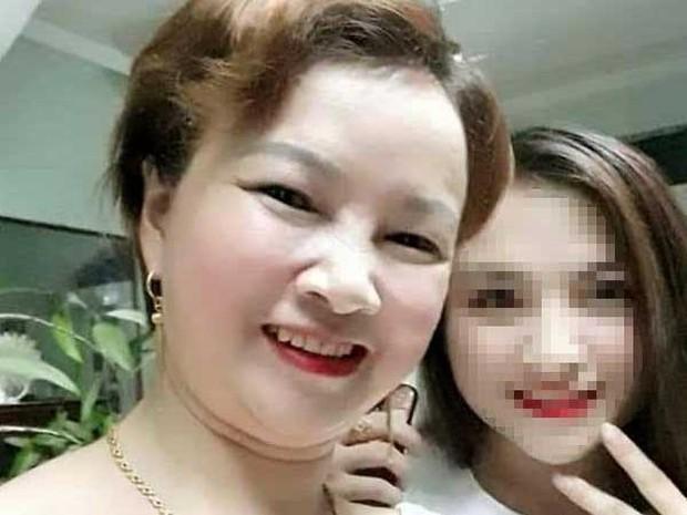 Biểu hiện bất thường của mẹ nữ sinh giao gà khi nhận dạng thi thể con: Vừa gào khóc thảm thiết... lại bất ngờ bình tĩnh livestream trên Facebook - Ảnh 1.