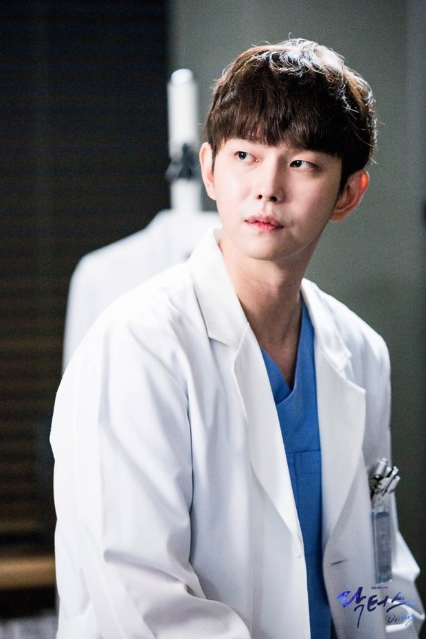 Nam diễn viên Hàn công khai đăng ảnh tận mặt chỉ trích chủ tịch YG vì bê bối, tài tử Pinocchio có thái độ bất ngờ - Ảnh 4.