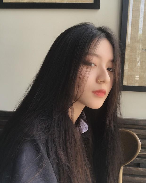 Chiếc mũi đắt giá của Bâu - girl xinh cực hot trên Instagram, khiến ai cũng thốt lên: Kiếp trước cậu đã giải cứu thế giới đấy à? - Ảnh 1.