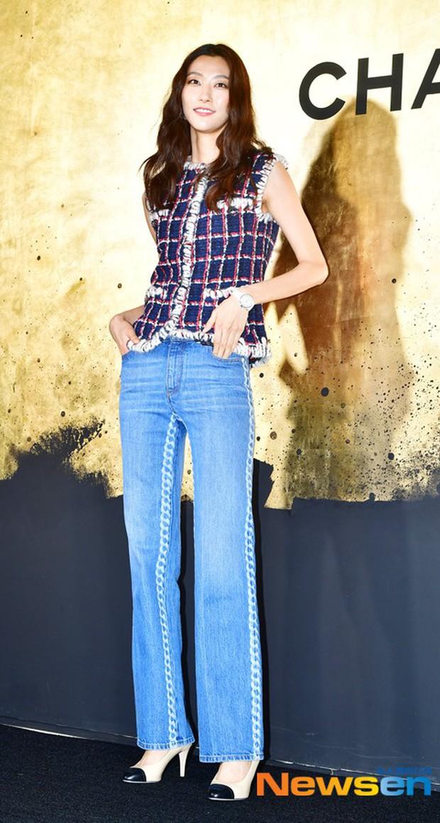 Sự kiện Chanel tại Seoul: Kristen Stewart xuất hiện với diện mạo dọa ma, chị em nhà Jessica - Krystal xuống sắc - Ảnh 11.