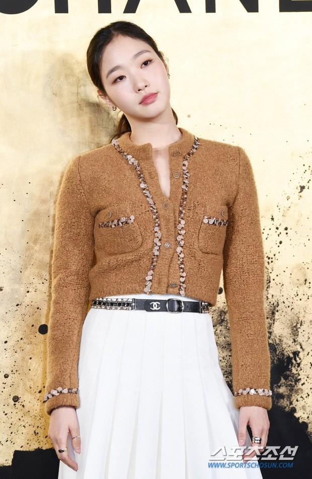 3 màn đụng độ gây bão: Sooyoung gặp cựu thành viên SNSD, nàng thơ của Lee Min Ho bị dàn idol và siêu mẫu lấn át - Ảnh 7.
